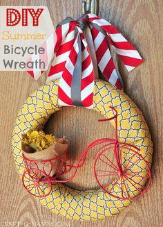 Summer Bicycle Wreath #wreaths #summerwreaths #crafts #DIY