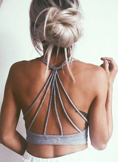 Learn how to do a messy bun and find all the inspiration you need to get out the door in a hurry and still look your best with these gorgeous messy buns.