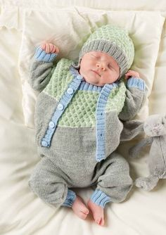 wanna pick him up and give him a smooch! Baby Hats Knitting, Knitting For Kids, Baby Knitting Patterns, Baby Patterns, Baby Boy Newborn, Baby Kids, Baby Boy Outfits, Kids Outfits, Baby Barn