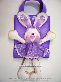 Glorious Easter crafts for having fun yours familly Easter Crafts, Fun Crafts, Kids And Parenting, Easter Bunny, Flamingo, Purses And Bags, Origami, Projects To Try, Baby Shower