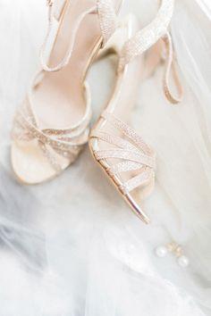 Die 25 besten Bilder von Hochzeit Kleid und Schuhe | Schuhe