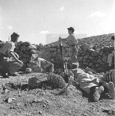 Sidi Ifni, 1957.- Los Tiradores de Ifni abren fuego de mortero.- EFE