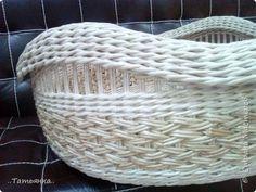 Поделка изделие Плетение Корзина для фото сессии Трубочки бумажные фото 2