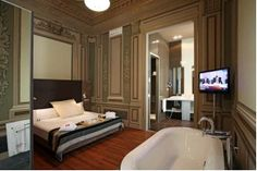 The Petit Palace Boquería Garden Hotel rooms are perfect to rest and relax. Book rooms in Barcelona. Visit Barcelona, Barcelona Hotels, Barcelona Spain, Room Reservation, Gaudi, Palace, Relax, Luxury, Chains