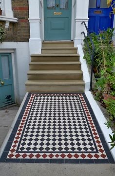 Bull Nose York Stone Steps and Victorian Mosaic Tile Path - London Garden Design Victorian Front Garden, Victorian Front Doors, Victorian Terrace, Victorian Hallway, Victorian Townhouse, Victorian House, Front Path, Front Door Steps, Path Design