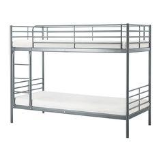 SVÄRTA Kerrossänky IKEA Hyvä ratkaisu rajallisiin tiloihin. Tikkaat voi kiinnittää joko sängyn oikealle tai vasemmalle puolelle.