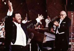 """Luciano for the film """"Yes Giorgio"""" in a concert sing the aria """"Cielo e Mar"""" in 1982."""