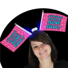 Notre conseil : n'oubliez pas de prendre quelques photos de la future mariée avec cet accessoire sur la tête !