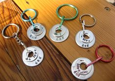 Father's Day Crafts for Kids : Super Cool! Love the Metal Stamping technique! These key chains are beautiful! Diy Father's Day Gifts, Father's Day Diy, Craft Gifts, Cadeau Grand Parents, Cadeau Parents, Fun Projects For Kids, Crafts For Kids, Fun Crafts, Stamped Jewelry