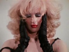 The 1971 film starring Jackie Curtis, Candy Darling and Holly Woodlawn offers lessons in both style and social standing Everybody's Darling, Candy Darling, Holly Woodlawn, Womens Liberation, Still Picture, Paint Photography, How To Look Handsome, Hairspray, Andy Warhol