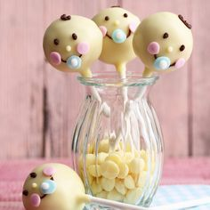 """Babyshower""-Cake-Pops Puller party, christening or babyshower – these sweet cake pops are sure to make every mother happy. Baby Cake Pops, Cake Pops Stiele, Pie Pops, Baby Shower Cakes, Cakepops, Baby Showers Juegos, Buckwheat Cake, Recipe For Teens, Bolo Cake"