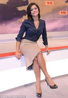 """11 Pictures of Lucy """"The Inappropriate Weather Girl"""" Verasamy Itv Weather Girl, Weather Girl Lucy, Hottest Weather Girls, Beautiful Celebrities, Most Beautiful Women, Amazing Women, Sexy Older Women, Sexy Women, Tv Girls"""
