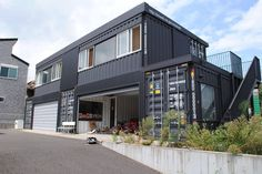 House+Garage (Ref: http://www.houzz.com/projects/1254814/special-garage-house)