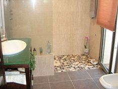 Ba o gresite verde en combinaci n con azulejo blanco - Quitar banera y poner plato de ducha ...