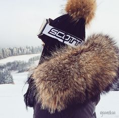 that's how you do a fur hood!