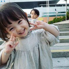 fanfic about kpop and you Start 10 3 19 E # Fiksi Penggemar # amreading # books # wattpad Cute Little Baby, Baby Kind, Cute Baby Girl, Little Babies, Baby Love, Cute Asian Babies, Korean Babies, Asian Kids, Cute Babies