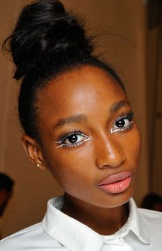 Make a statement. Swap your regular black liner for white liner to stand out from the crowd.