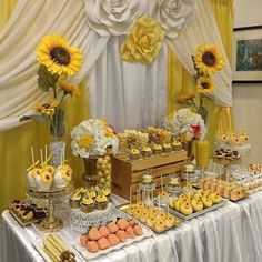 New Sunflower Bridal Shower Food Ideas Ideas Sunflower Birthday Parties, Sunflower Party, Sunflower Cakes, Sunflower Baby Showers, First Birthday Parties, Sunflower Wedding Cakes, Wedding Flowers, Shower Party, Baby Shower Parties