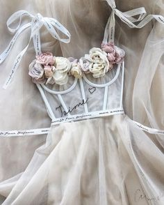 1 2 3 or Formal dresses long evening dresses 2019 gorgeus wedding party prom dresses Pretty Dresses, Beautiful Dresses, Casual Mode, Mode Vintage, Vintage Style, Mode Inspiration, Wedding Inspiration, Dream Dress, Fashion Outfits