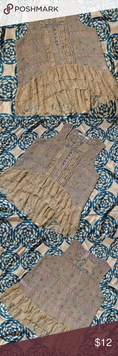 Hannah Boho Lace Sleeveless high low Blouse Beautiful following Lacey blouse. Shirt is in wonderful condition. Worn maybe once or twice.  Size Large but could be worn as XL. 100% Polyester Tops Blouses