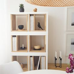 The IKEA Kallax line Storage furniture is a vital part of any home. Elegant and delightfully easy the ledge Kallax from Ikea , for example. Hacks Ikea, Hacks Diy, Home Hacks, Hippie Home Decor, Diy Home Decor, Room Decor, Ikea Garden Furniture, Furniture Movers, Furniture Storage