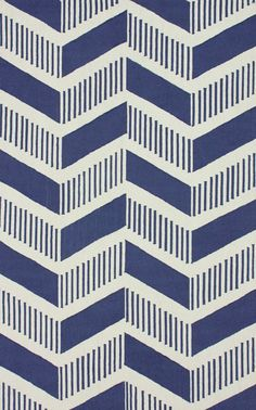 nifty new take on chevron..could i do this with solids and stripes in a quilt???