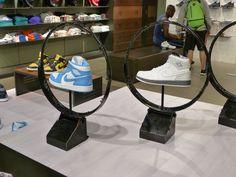 Like this shoe display idea!