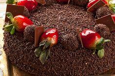 Torta de brigadeiro e morango