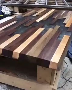 Woodworking tips and tricks for beginners Woodworking Projects That Sell, Woodworking Techniques, Woodworking Furniture, Woodworking Tips, Woodworking Magazine, Wood Furniture, Japanese Woodworking, Unique Woodworking, Woodworking Machinery