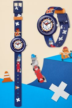 The perfect gift for kids who love our four-legged friends, SK8FOX (ZFBNP164) features a pair of super cool foxes on the machine-washable strap who love to skateboard. Shock and water-resistant so it will never let you down, this Swiss made watch for kids is always a popular choice thanks to its funky colours and easy to read digital printed dial. Swiss Made Watches, Let You Down, Foxes, Gifts For Kids, Skateboard, Swatch, Thankful, Colours, Popular