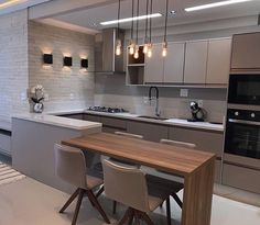 32 + The Inspiring Kitchen Cabinet Colors And Ideas Stories 96 - onlyhomely Modern Kitchen Interiors, Luxury Kitchen Design, Kitchen Room Design, Kitchen Cabinet Colors, Kitchen Layout, Home Decor Kitchen, Interior Design Kitchen, Kitchen Living, Kitchen Furniture