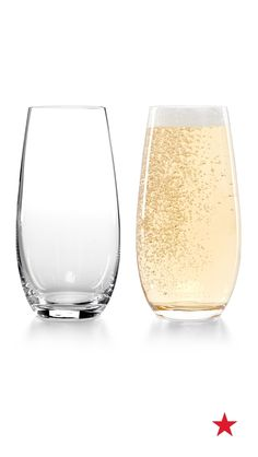 A festive Hollywood-themed watch party is the perfect way to take on award season. Naturally, every red carpet affair calls for a few bubbles, so break out the champagne in totally mod style with sophisticated stemless  flutes — Riedel stemless champagne glasses set