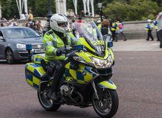 London's Metropolitan Police armed motorcyclist, June 2014 | Flickr - Photo Sharing!