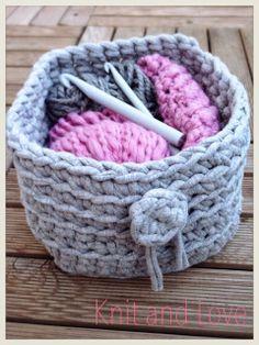 Knit and Love : CAJA DE TRAPILLO CUADRADA SIN COSTURAS