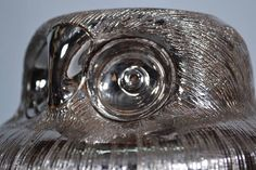 Stunning Owl by Bitossi design by Aldo Londi - Italy This beautiful owl is made out of ceramic and in a silver glaze Not marked heigth 15.5 cm (6.1) Ø base is 13 cm (5.2) Condition: in Excellent condition - no chips, cracks or hairlines Please see pictures for condition and let us