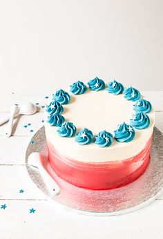 Amerikkakakku // Watercolour Chocolate Cake Food & Style Emma Iivanainen, Painted By Cakes Photo Emma Iivanainen www.maku.fi
