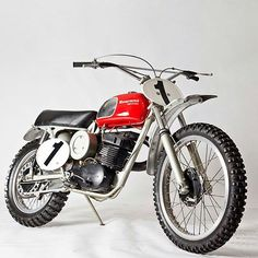 ama onanysunday flattrack caferacer scrambler tracker motorcycle custommotorcycle inspiration picoftheday rustleofsilk  bikelife instagood lifestyle dailypic bestoftheday instadaily