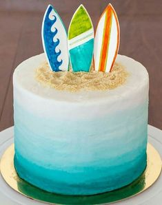 Edible Fondant Surfboard Cake Toppers – set of 3 3 – hand-painted fondant surfboard cake toppers for 10 cake Ocean Cakes, Beach Cakes, Bolos Pool Party, Surfer Cake, Surfboard Cake, Luau Birthday Cakes, 18th Birthday Cake For Guys, Hawaii Cake, Hawaii Hawaii