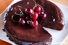 Det finnes så klart ikke noe mislykket ved denne kaken... - tvert imot er dette en meget vellykket konfektkake med mørk sjokolade, som bare blir enda mer vellykket med tilslaget av søte moreller. Kaken er basert på Mislykket sjokoladekake, som jeg publiserte her på Det søte liv allerede i 2005. Dette er en kake som har vært meget godt besøkt av lesere i løpet av disse årene.
