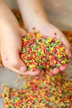 Candy Apple Rice - How to make candy apple rice for sensory play in yummy fall scents and colors:  candy apple red, golden delicious yellow,...