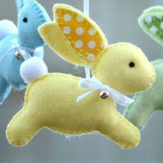 Molde mobile coelhinhos em feltro - Mimarias