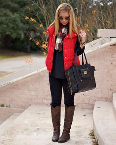 40 cool outfit ideas with puffy vest red puffer vest, red vest, vest outfits Puffy Vest Outfit, Vest Outfits, Puffy Jacket, Chic Outfits, Red Puffer Vest, Red Vest, Red Outfits For Women, Clothes For Women, Fashion Moda