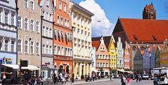 Landshut (Bayern): Landshut ist eine kreisfreie Stadt, die sowohl zu Ost- als auch zu Südbayern gezählt wird. Sie ist Sitz der Regierung von Niederbayern und der gleichnamigen Gebietskörperschaft, des Bezirks Niederbayern. Des Weiteren ist die Stadt Verwaltungssitz des Landkreises Landshut. Mit mehr als 65.000 Einwohnern (Stand 31. Dezember 2012) ist Landshut vor Passau und Straubing die größte Stadt des Regierungsbezirks sowie nach Regensburg die zweitgrößte Stadt Ostbayerns. Im…