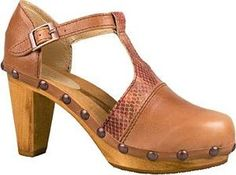 Beige Wooden Clogs Tan Snake Studded Buckle Heels Strappy    http://www.clog-heaven.com/servlet/the-3310/high%2C-heel%2Cleather%2C-sandal%2C-platform%2Cstrappy%2Csnake%2Canimal%2Cprint%2Cstraps%2Cbuckle%2Cankle%2Cspectator/Detail
