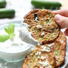 Turkse courgettekoekjes | Franska.nl Recipes Appetizers And Snacks, Other Recipes, Salmon Burgers, Tapas, Vegetarian Recipes, Good Food, Food And Drink, Favorite Recipes, Ethnic Recipes