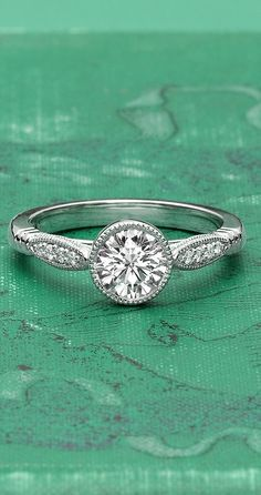 Another round cut diamond I love! Very delicate.
