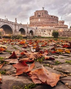 Autumn vibes at Castel Sant'Angelo Rome Italy. Photo by. Santo Angelo, Beau Site, Best Cities, Naples, Italy Travel, Travel Inspiration, Beautiful Places, Wonderful Places, Places To Visit