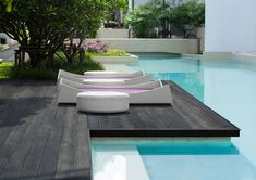 Wondering about composite decking? Find out the top 5 advantages of this amazing recycled material in today's post and you will never go back to timber!