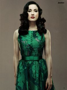 Dita Von Teese... Não existe uma mulher tão perfeita quanto ela é! ♥