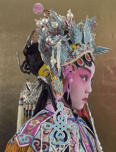 Chinese Culture is awesome! Learn Chinese language from Karen - A Chinese girl. I will master you in pronouncing chinese words with Pinyin. Charles Freger, Peking, Non Plus Ultra, Chinese Opera, Wedding Tattoos, Oriental Fashion, People Of The World, Chinese Culture, Portraits